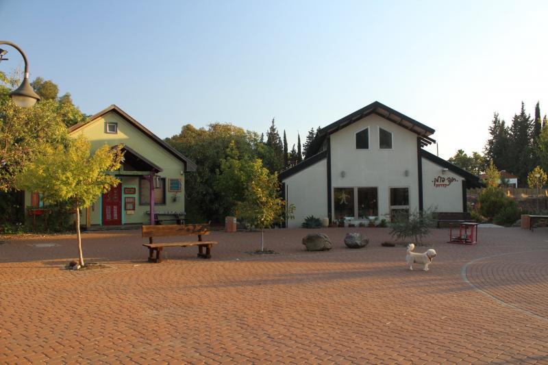 מבנים בכפר