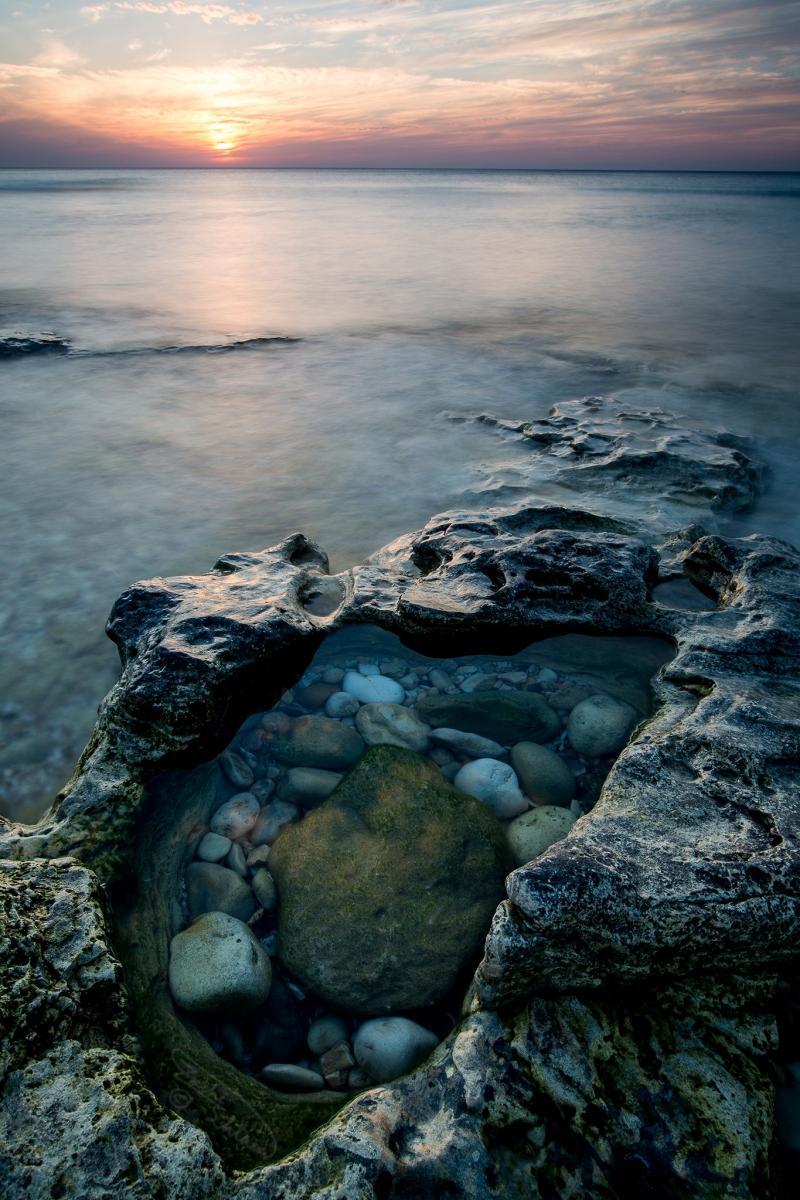 חוף הכרמל כ3 קמ דרומית לחיפה