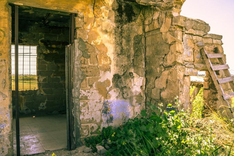 מבנים נטושים ליד אשדוד