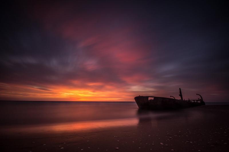 סירה טרופה בחוף הבונים