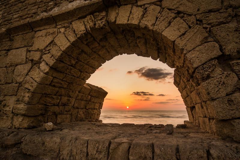 חוף האקוודוקט קיסריה