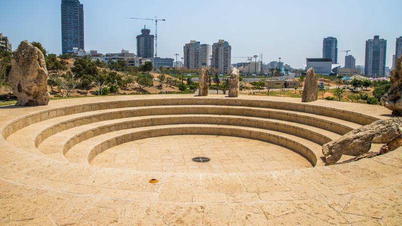 מעגל אבנים בפארק אשדוד ים