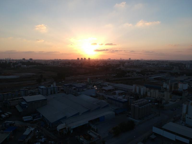 חניון מפעל נשר